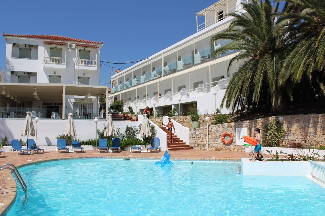 Paradise Hotel in Alonissos