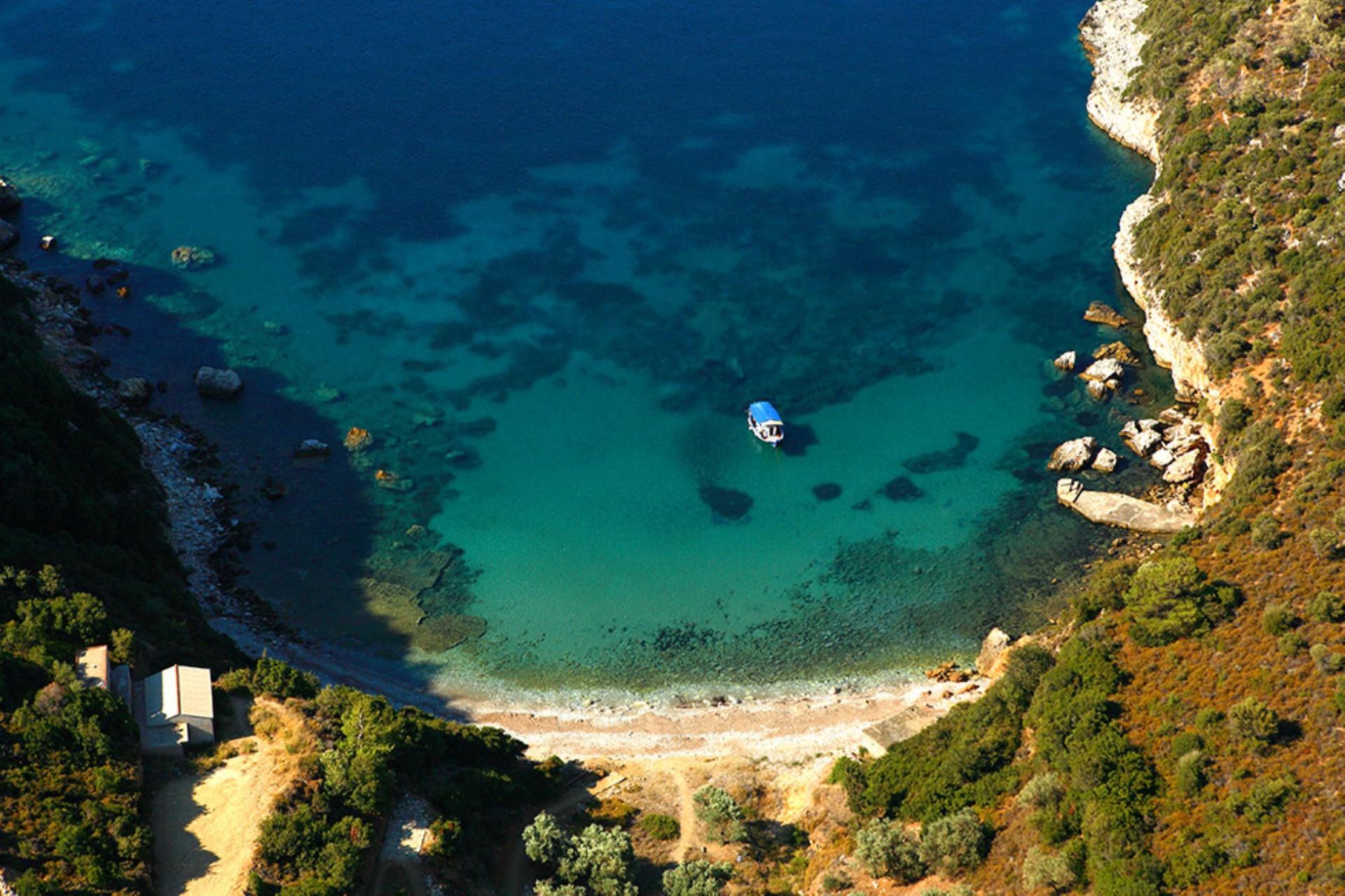 Mikros Mourtia Beach on Alonissos